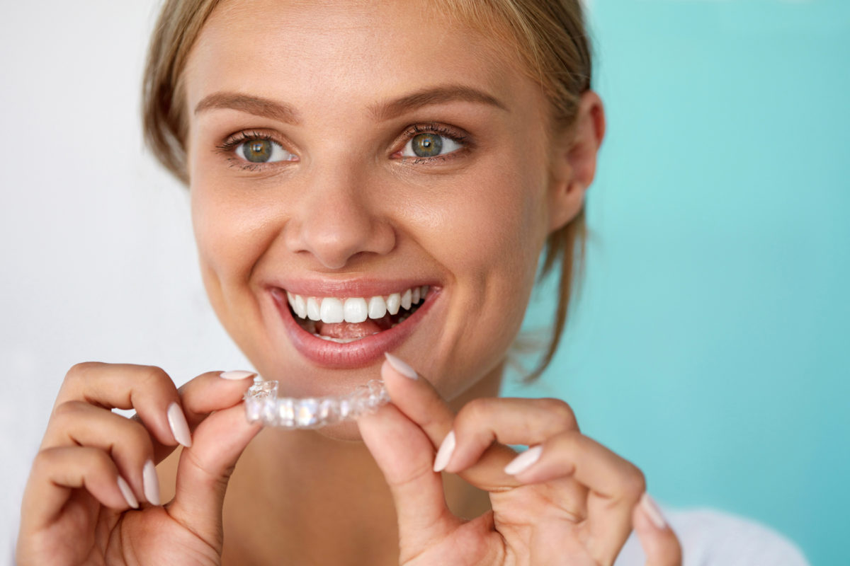 How to Clean Invisalign Retainers: 4 Tips to Brush up On